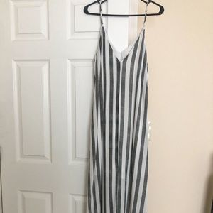 NWOT Stripe gray and white maxi dress